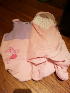 18pc Bag of baby girl clothes