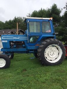 1977 8600 Ford Tractor