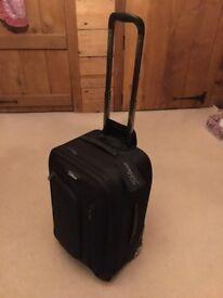 Brand new Titleist Professional Wheeler Roller suitcase