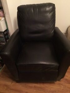 Recliner OPEN TO OFFERS