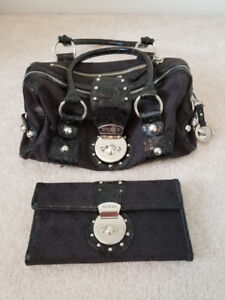 """""""GUESS""""  3 PIECE  SET  WITH  MATCHING  PURSE  &  WALLET"""