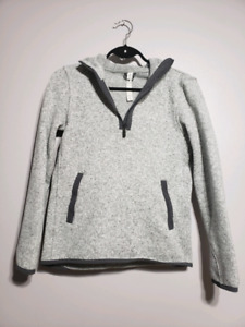 Lululemon Size 6 Half Zip Pull over Sweater