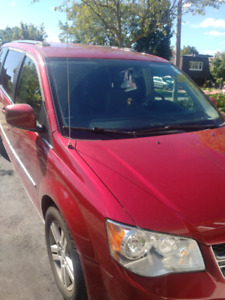 Dodge caravan crew with dvd