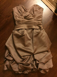 Women's dresses - only worn once, perfect condition !!