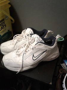 Size 11.5 Nike air shoes