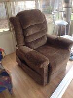 Lift chair full recline massage heat