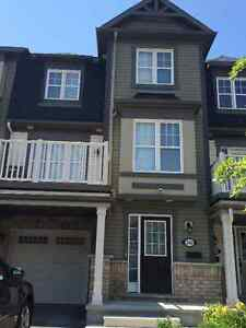 Open concept townhouse for rent!