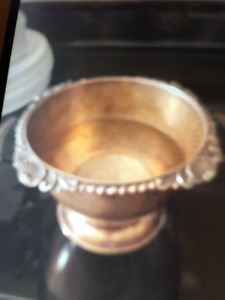 silver plated  bowl.malboro plate english reproduction