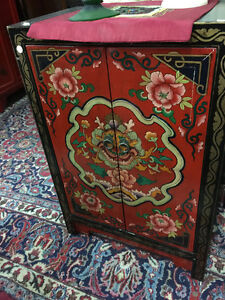 Nice little asian cabinet in red and black