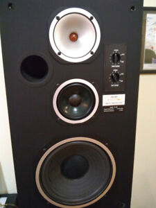 Aurex CS840 speakers