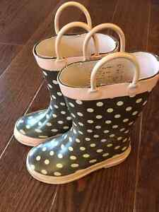 Size 9 Girl rubber boots