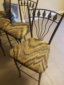 4 bar stools for sale. PU in timberlea