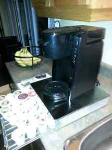 Keurig by Oster. Pods included. Works perfectly. Peterborough Peterborough Area image 4