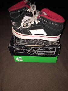 Etnies shoes Toddler size 7 Regina Regina Area image 4