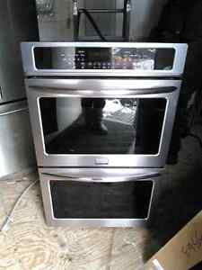Frigidaire Gallery   30 in. Double Electric Wall Oven.