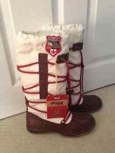 Women's size 5.5 Pajar winter boots.  New.  Never worn.