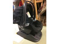 Mamas and papas baby seat and isofix base