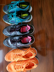 Womens sneakers 2 are 8.5  and 1 is 7.5
