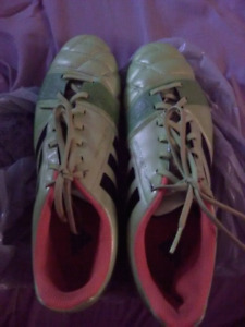 Adidas soccer cleats size 9.5