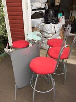 Small metal bar with 4 chairs