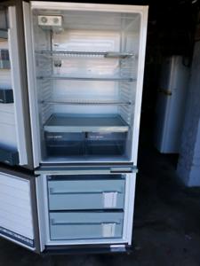 Fridgeahair Frost free fridge freezer 384L
