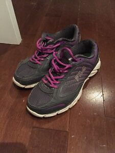 Women's size 7 Fila sneakers
