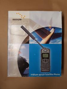 IRIDIUM 9505A SAT PHONE w/DATA KIT & ACCESSORIES