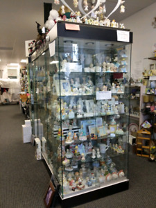 Display case, Cabinets for sale