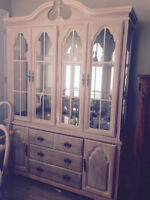 Beautiful solid oak complete dining rm suite. MUST GO! Reduced