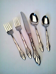 Eden Cutlery Set (5 pieces) - Oneida Stainless Steel