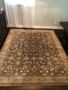Hand Tufted Wool Rug 8 X 10 In Great Shape