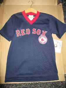 Chandail Boston Red Sox gr Small pour enfant Neuf