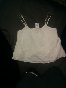 white lace Hollister tank