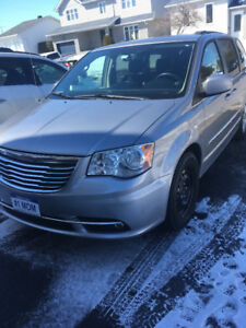 Mini van Chrysler Town &Country a vendre