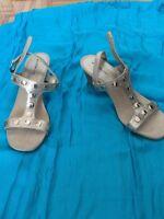 Sandal en cuir neuve grandeur 10