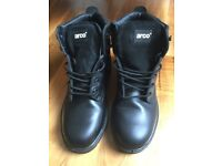 Size 8 Acro 657 Safety Boots