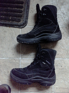 Lowa Goretex winter shoes (negotiable, have to go before the 10)