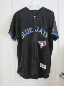 BNWT - MENS BLACK TORONTO BLUE JAYS PILLAR JERSEY - L(44)