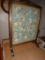 VINTAGE NEEDLE POINT FIREPLACE SCREEN