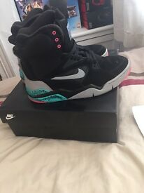 Nike Air Command Force Black/Jade/Pink
