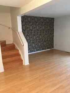 ^^^^^Ottawa Southkeys End Unit for rent*****