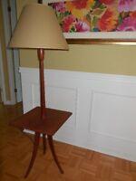 Teck - Lampe sur pied table d'appoint intégrée - Retro Vintage