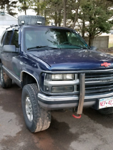 1996 chev tahoe! Lifted, loud truck.  Many new parts