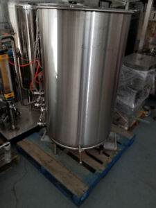 500 LITER pressurized mixing tank, never used, CANADAMADE