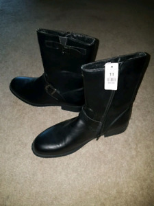Brand new black ankle boots size 11 women's