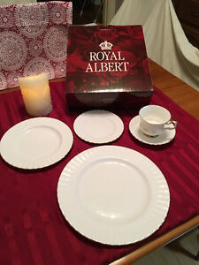 6 -- Royal Albert Val D'Or China 5 pc. Place Settings