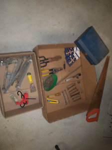 Lot d'outils = 25$