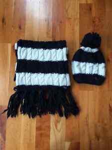 Tuque et foulard Abercrombie & Fitch