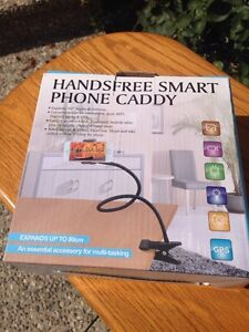 Hands free smart phone caddy