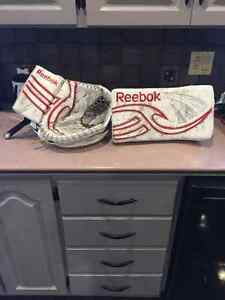Reebok Larency SR Goalie blocker and glove